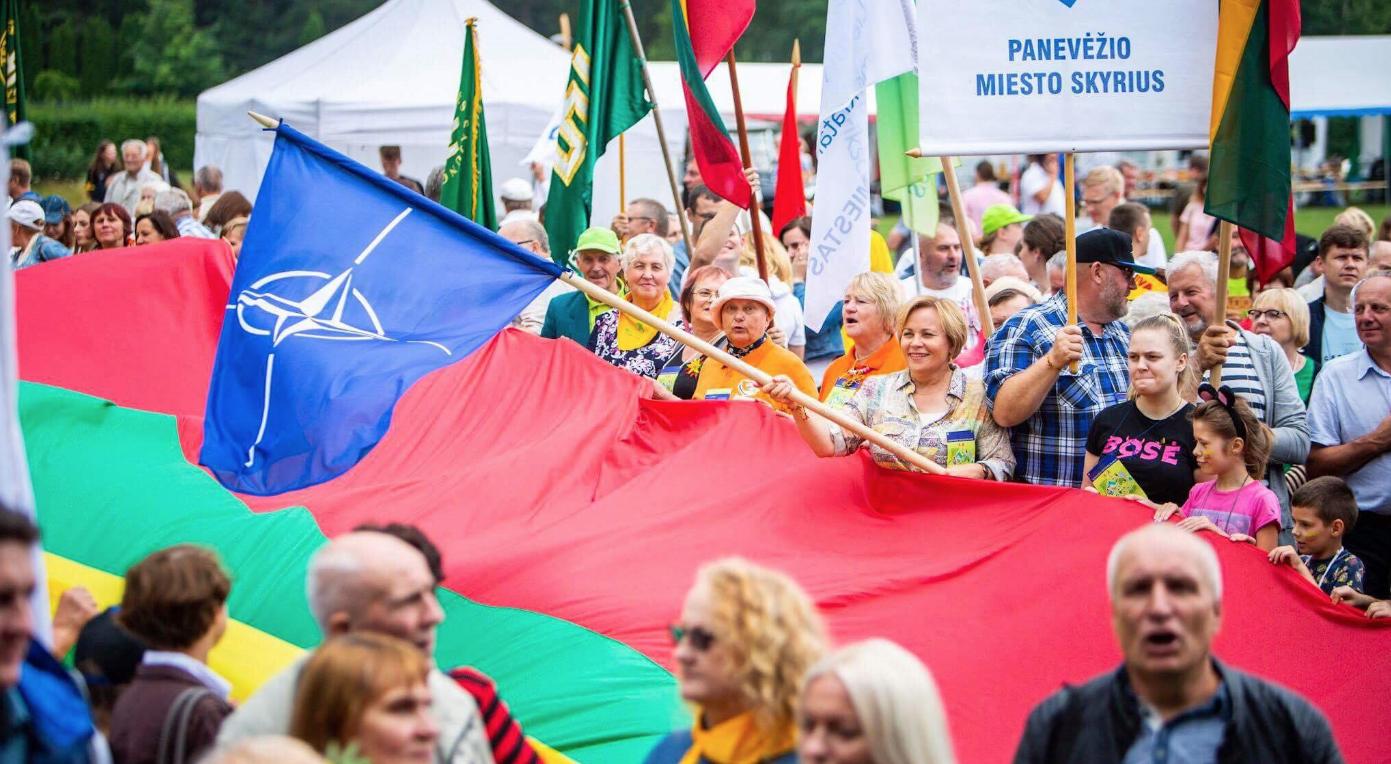 Visuomenė perspėta: Karbauskis yra Kremliaus projektas ir vykdo hibridinį karą prieš Lietuvą būtent Kremliaus metodais